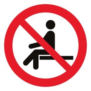 Pictogramme interdiction de s'asseoir ISO7010-P018